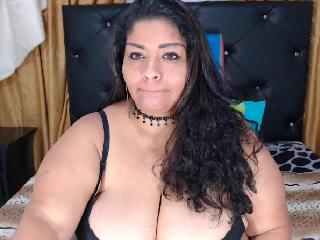 MSN chat with PLUS-SIZE BBWBIGBELLYY wants sex toy & squirt play time