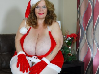 Mobile chat with PLUS-SIZE SuzieQhasbigboobs wants online fun