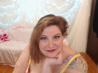 Sex chat with BBW CurvyMarieG fancies dirty sexy play time