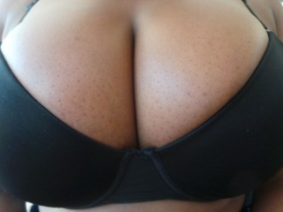 Free chat with PLUS-SIZE BUSTY_FAYE_XX wants squirting play time